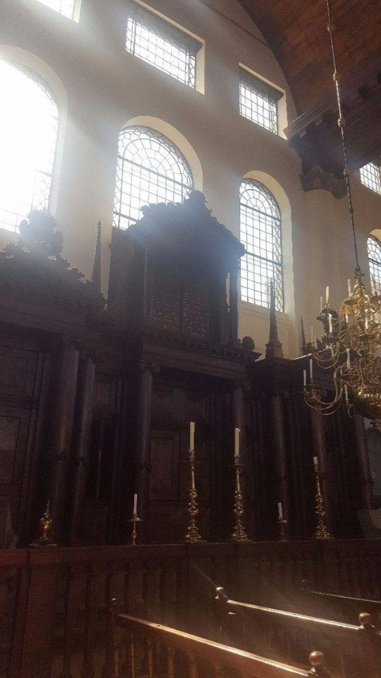 עזרת גברים בבית הכנסת הפורטוגזי